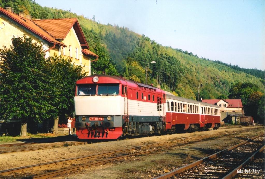 751.007 Kácov 20.9.2003 foto: Petr Zitko