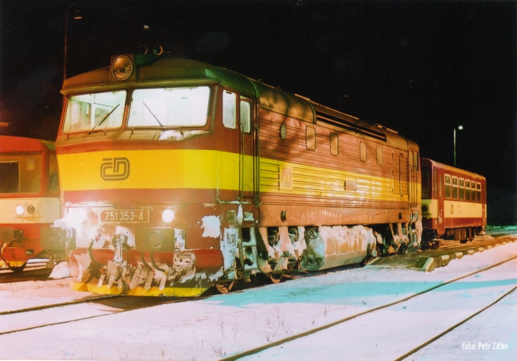 751.353 Chrudim město 2.1.2002 foto: Petr Zitko