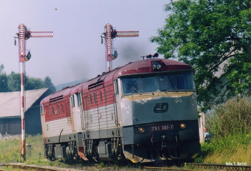 751.361 Lichkov 25.8.2001 foto: T. Bartoš