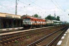 749 246-5 v Zábřehu na Moravě s 150 006. 24.7.97 foto Luboš Bubák