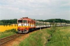 750  371-7 na trati mezi Žamberkem a Karlovicemi dne 26.5.1997 na Os 5243. foto Jiří Adolf